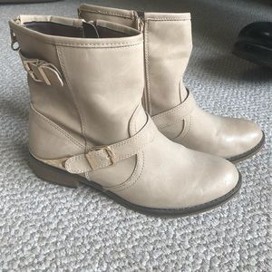 Dressy Aldo boots with buckle